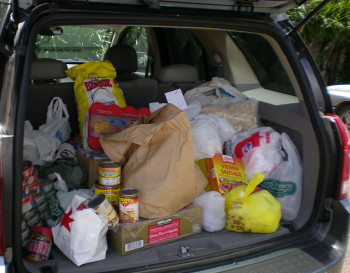 Pastor Jeff Lilley's vehicle full of items for the Angel Network